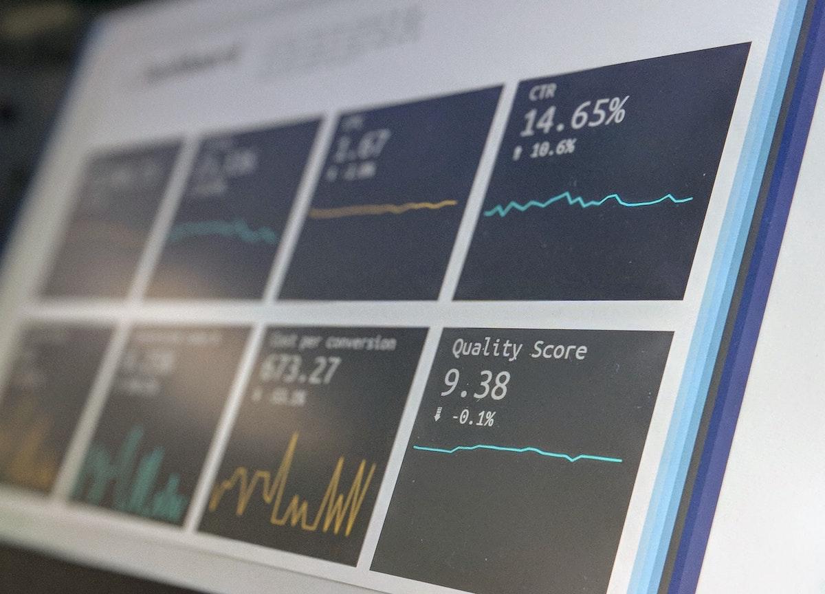 CVM edita Ofício-Circular com esclarecimentos sobre a atividade profissional de analista de valores mobiliários nas redes sociais